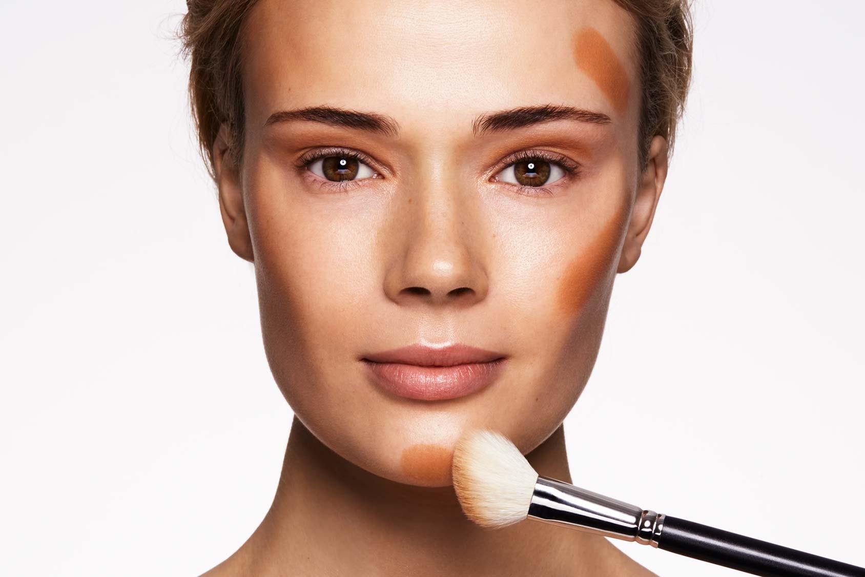 Как применять хайлайтер в макияже